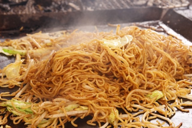 Once Everything Has Heated Through Flavor The Noodles With Worcestershire Sauce The Aroma Of Sizzling Worcestershire
