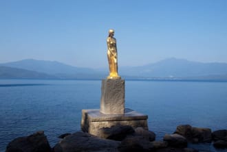 <div class='captionBox title'>在田沢湖騎單車,感受自然氛圍環繞的舒適美景</div>