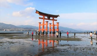 <div class='captionBox title'>必訪之世界遺產,漂浮在海上的「嚴島神社」</div>