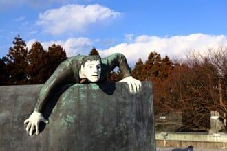 <div class='captionBox title'>【靜岡】內行人的景點「鐵線蓮之丘 梵奇(ヴァンジ)雕刻庭園美術館」</div>