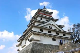 Karatsu Castle: Majestic Beauty
