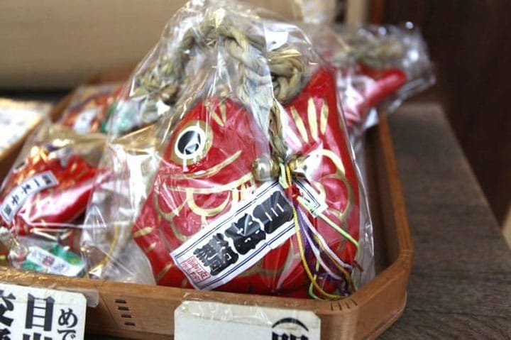 Visita el santuario de Namiyoke - ¡Una corta caminata desde la estación Tsukijishijo!