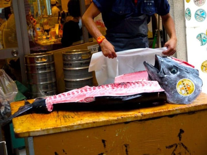 【築地.美食】免費看壽司師傅切鮪魚秀 「築地壽司一番」