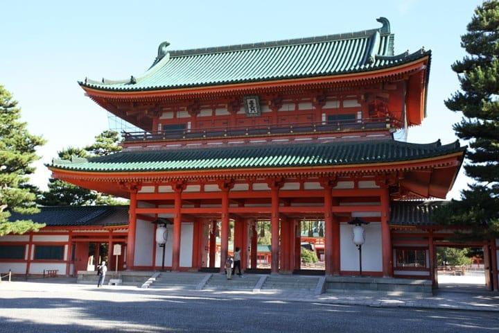 昔の天皇家の住まいがモデル!? 京都「平安神宮」