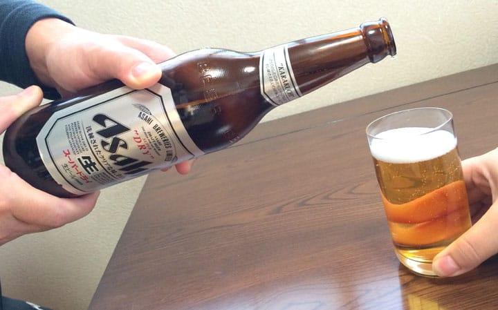 Tata Krama Minum Sake bagi Karyawan Baru di Jepang