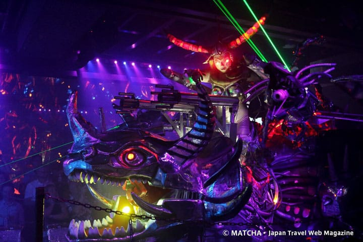 Shinjuku's Robot Restaurant: Technology and Entertainment