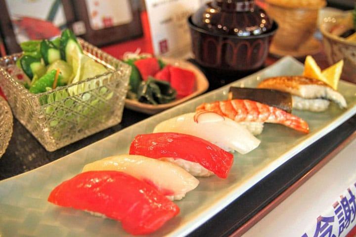 5 Pilihan Kedai Sushi di Shinjuku yang Cocok untuk Berbagai Situasi