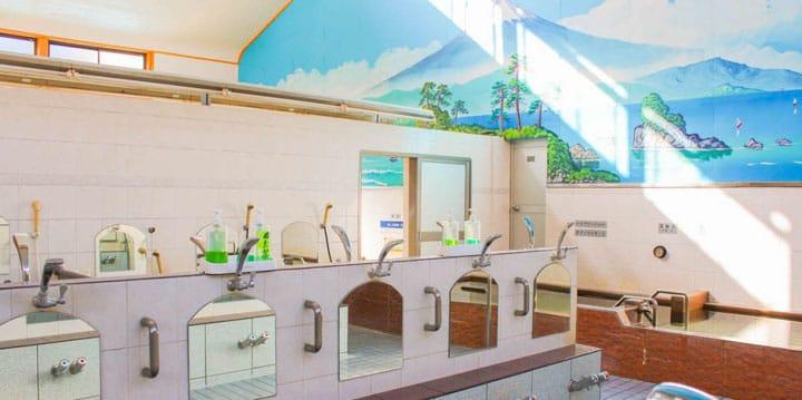 在東京復古味澡堂「松之湯」享受泡澡樂趣!