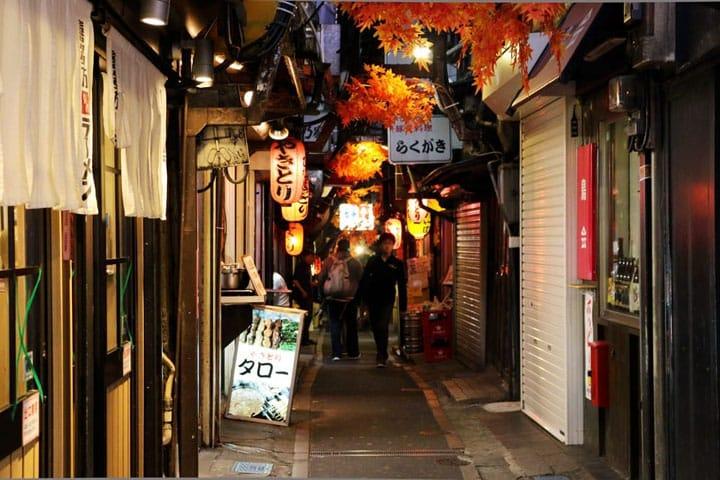 70년전 일본으로 타임 워프! 신쥬쿠 서쪽 입구의 오모이데(추억) 요코쵸란?