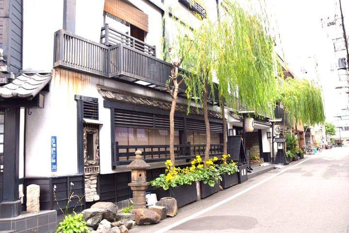 江戸の風情を味わえる旅館、浅草「助六の宿 貞千代」