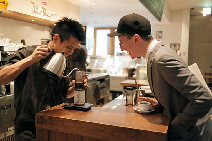 世界一のバリスタが淹れる喫茶店「Paul Bassett 新宿 」