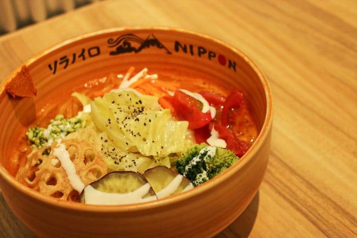 【東京.美食】純素食主義者也能吃得開心!東京站內健康拉麵「Soranoiro NIPPON」