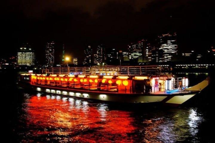 Pesiar Menikmati Pemandangan Indah dan Lezatnya Masakan Jepang di Kapal Yakatabune Hamadaya