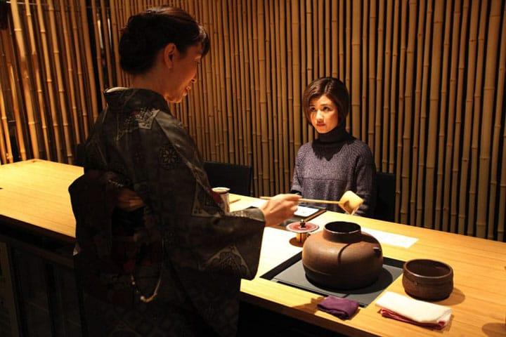"Merasakan Pengalaman Baru Minum Teh Jepang dengan Cita Rasa Asli di ""Jugetsudo"", Ginza"