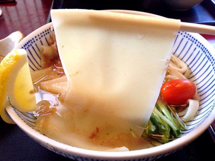 埼玉縣B級美食 挑戰8cm超寬「鴻巢川幅烏龍麵」