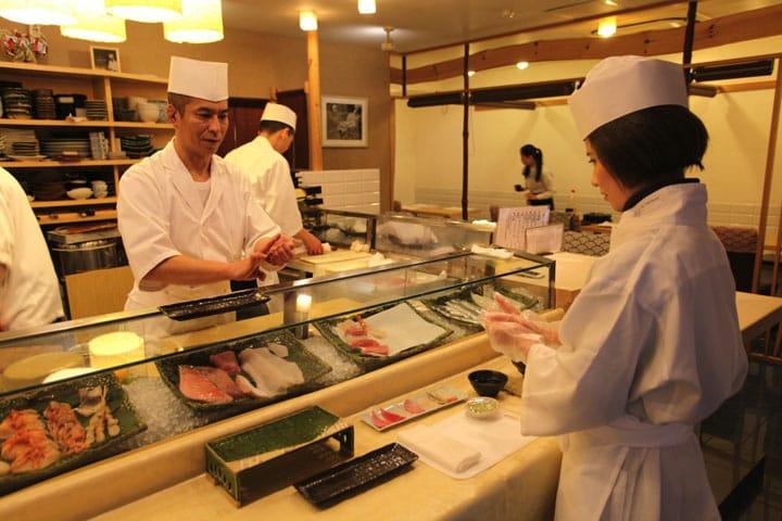 Jalan-Jalan ke Pasar Ikan Tsukiji dan Kursus Membuat Nigiri Sushi!