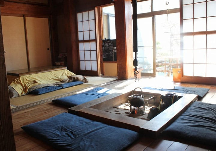 Kamakura Guest House: Enjoy An Inn With An Irori Fireplace!