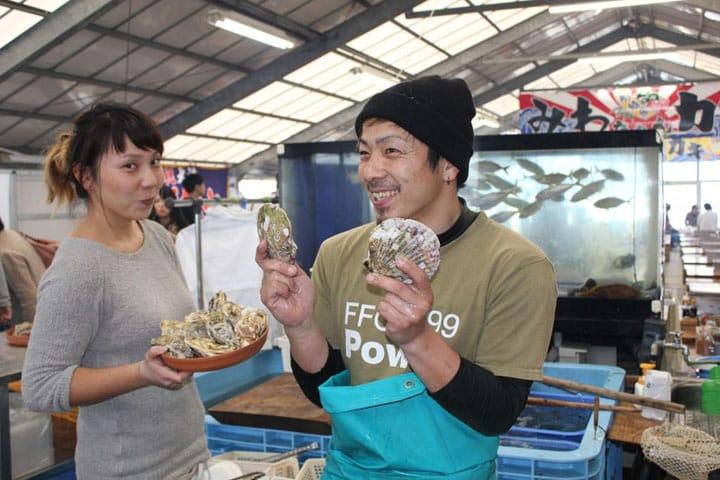 Savor Barbecued Oysters In Winter At Fukuoka's Kakigoya