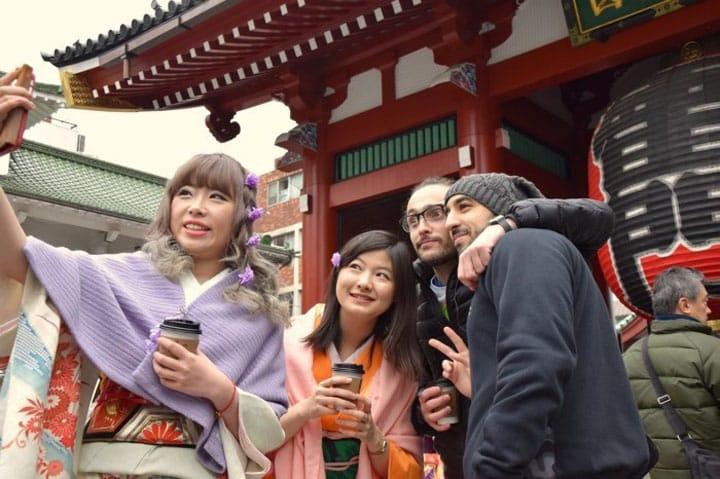 ไกด์และลูกทัวร์ สนุกกับการท่องเที่ยวในญี่ปุ่นแบบเพื่อนกัน