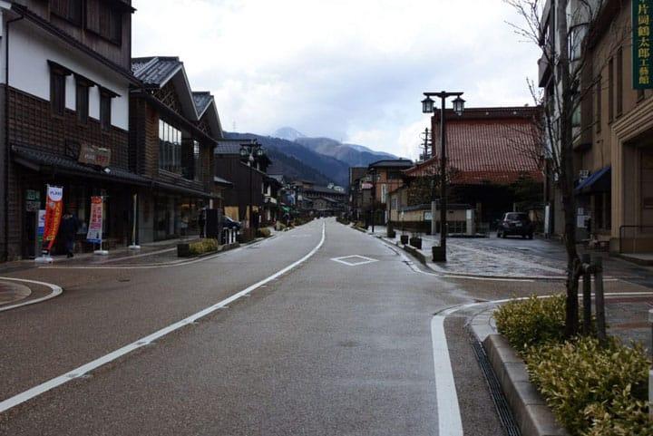 """街道景色風情猶在,擁有1300年歷史的石川縣""""山中溫泉"""""""