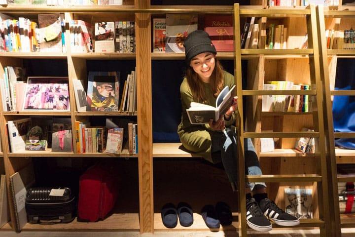 【池袋】一個可以住的書店「BOOK AND BED TOKYO」