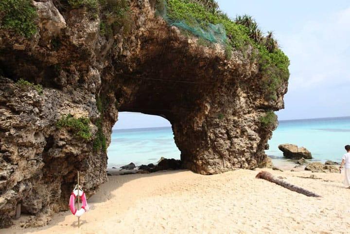 【宮古島】樹隧道盡頭處的「砂山海灘」絕景