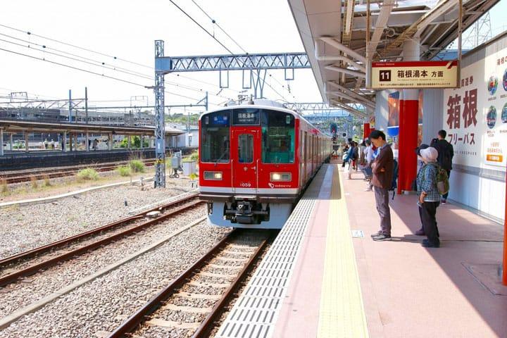 นั่ง「รถไฟฮาโกเนะโทซัง」สัมผัสฮาโกเนะ 4 ฤดูกาล