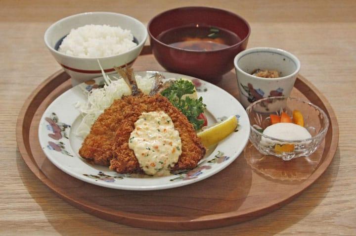 日本全国47都道府県の料理を味わえる、渋谷「d47食堂」