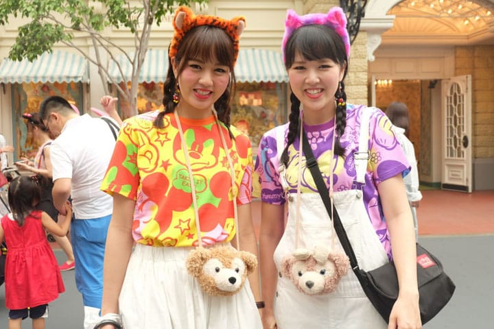 "Twice The Fun: ""Twin Fashion"" At Tokyo Disney Resort"