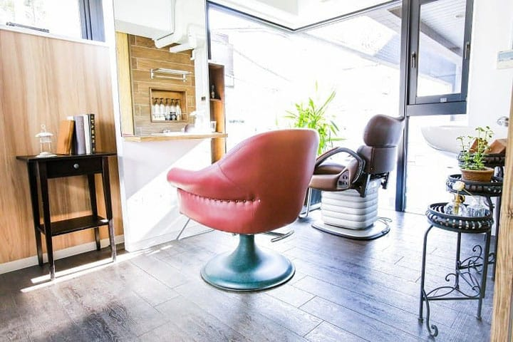 Merkmal - A Beauty Salon Loved By Models And Customers From Abroad