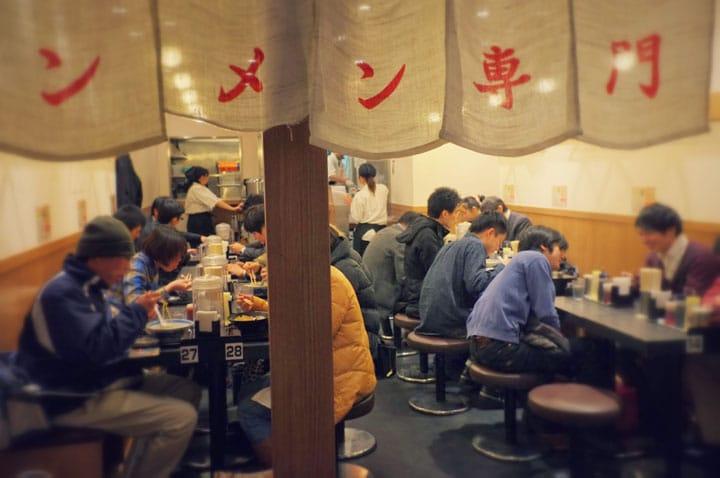 東京車站內絕不能錯過的「東京拉麵街」!日本著名的拉麵店都在這裡!