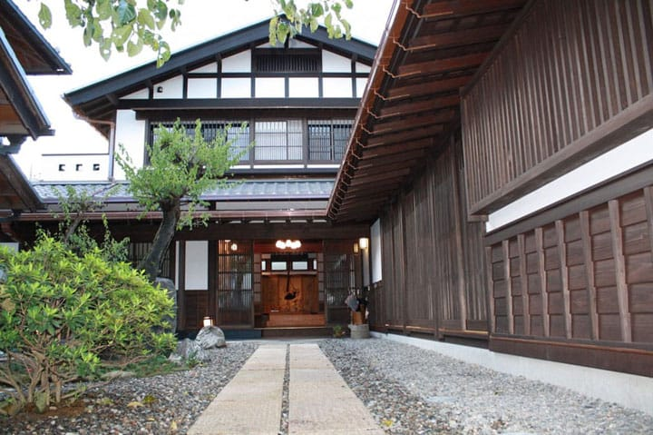 Saitama's 7 Best Accomodations: Resort Hotels To Traditional Ryokan