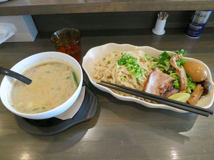 【KAMAKURA】毎朝採れたての鎌倉野菜が絶品!「らーめん一閑人」