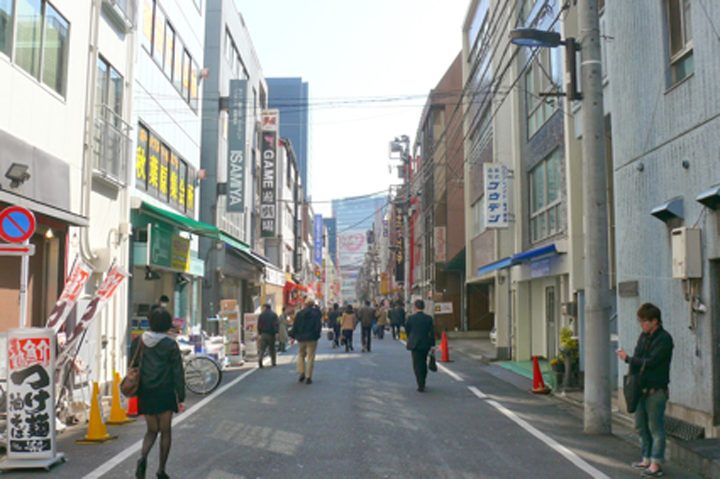"""เดินเบาๆที่ """"จั๊งก์โดริ"""" สัญลักษณ์ที่เป็นส่วนลึกของอะกิฮะบะระ"""