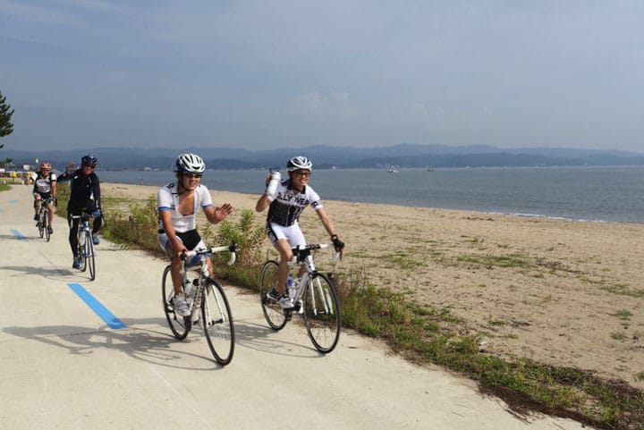 See The World's Most Beautiful Bay! Cycling Through Toyama