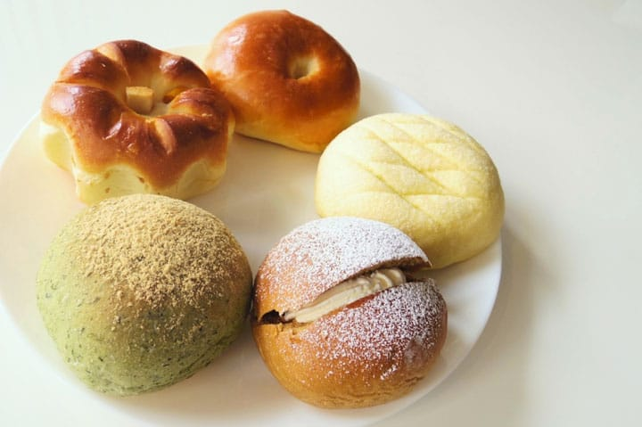 Taste 20 Types Of Red Bean Buns At Andesu Matoba Bakery In Asakusa!