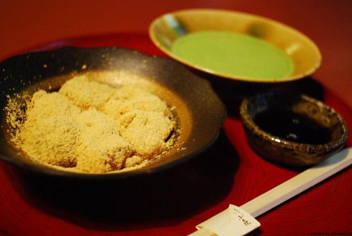 京都の名店「ぎをん小森」のわらびもちを目指して、京都市内をそぞろ歩き