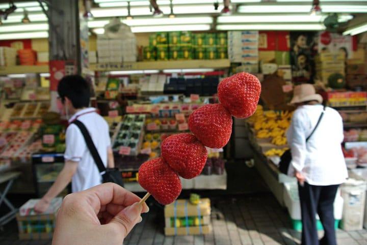 Harganya Cuma 200 Yen per Tusuk! Buah Enak di Jepang, Ya Hyakkaen !