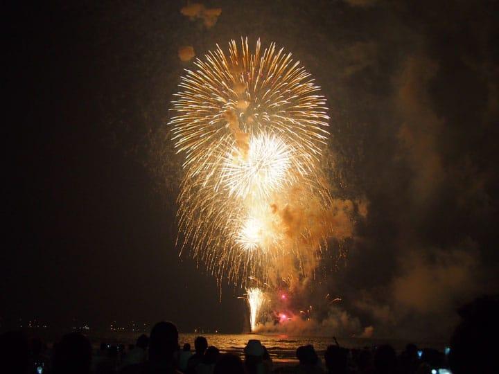 【夏】日本の夏の風物詩、花火大会を満喫する4つの方法