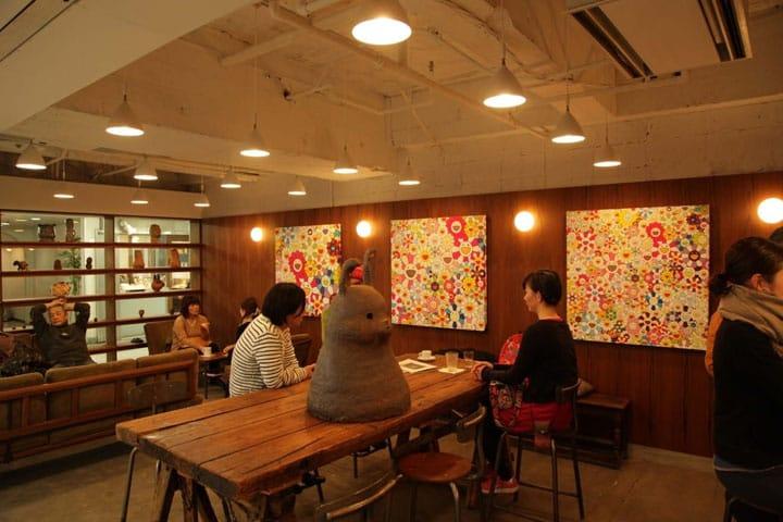 村上隆氏がプロデュース 中野ブロードウェイにあるカフェ「bar zingaro」