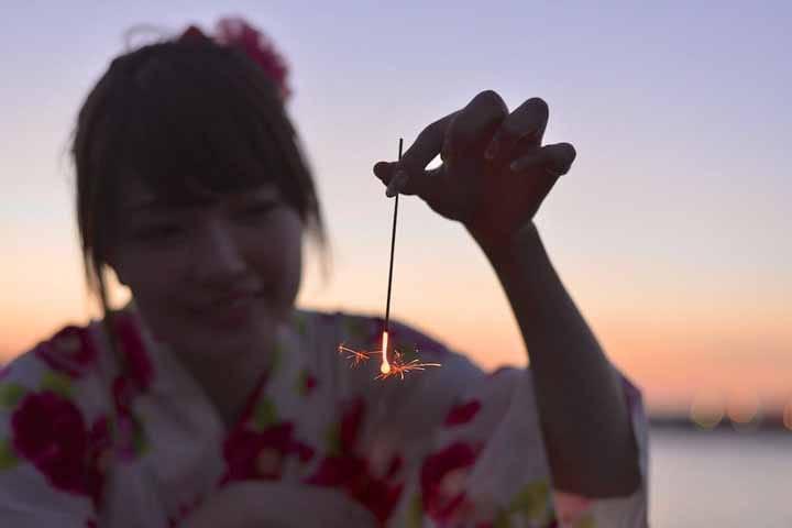 """【夏】梦幻又美丽,充满故事的烟花——""""线香花火"""""""