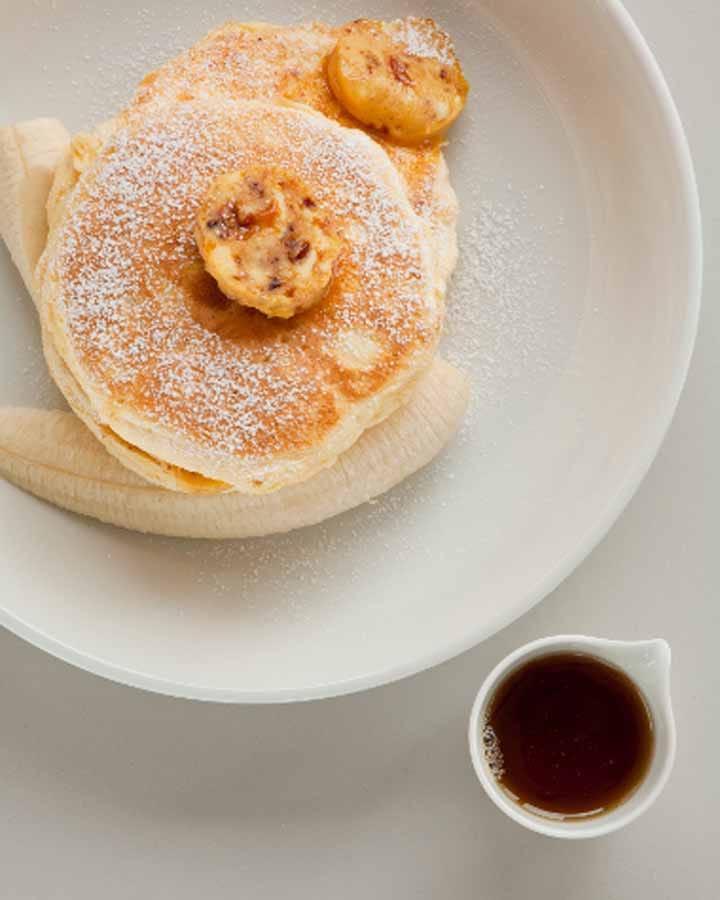 """อาหารเช้าอันดับหนึ่งของโลก! แพนเค้กนุ่มฟูของ """"bills"""" โอะโมะเตะซันโด เป็นอย่างไรบ้าง?"""
