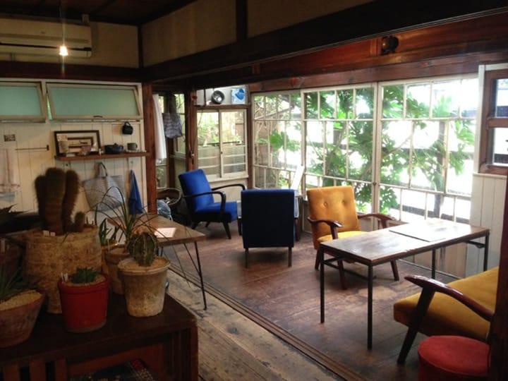 【神奈川】具有双面孔的逗子咖啡屋,享用素食和当地啤酒的绝佳选择