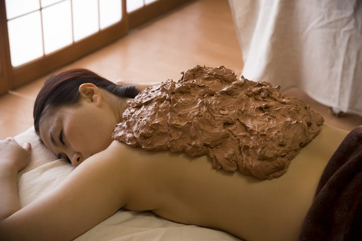 Rub on Mud, and Get Warm! Another Way to Enjoy Wakura