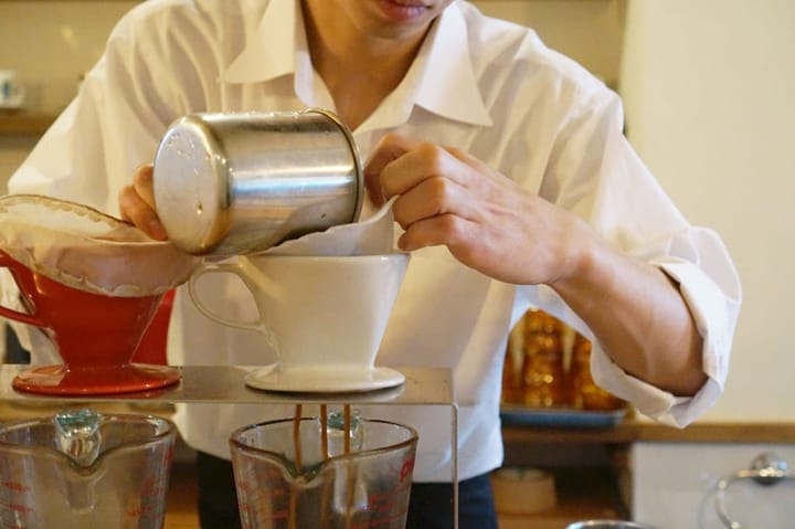 【秋叶原·VAULT COFFEE】您可以一边慢慢喝咖啡,一边免费使用WiFi和电源哦~