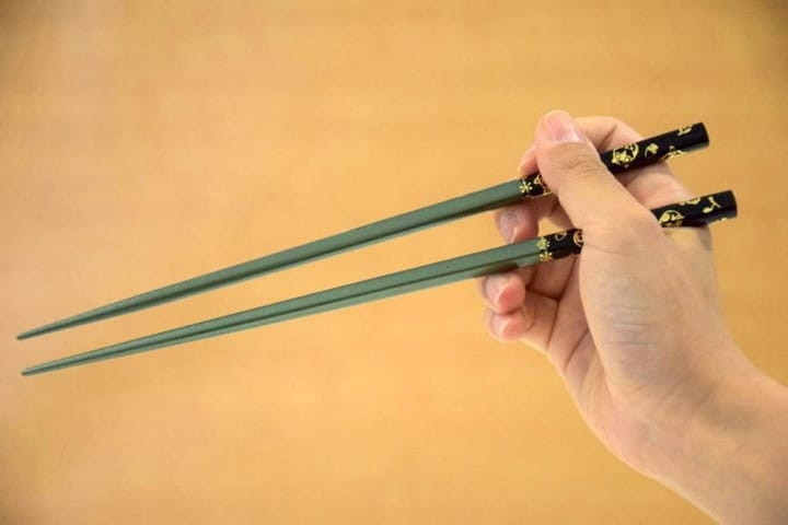 How To Use Chopsticks And 5 Tips On Good Basics Manners