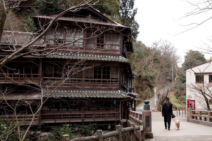 大阪観光の憩いスポット、箕面の滝道を散策!
