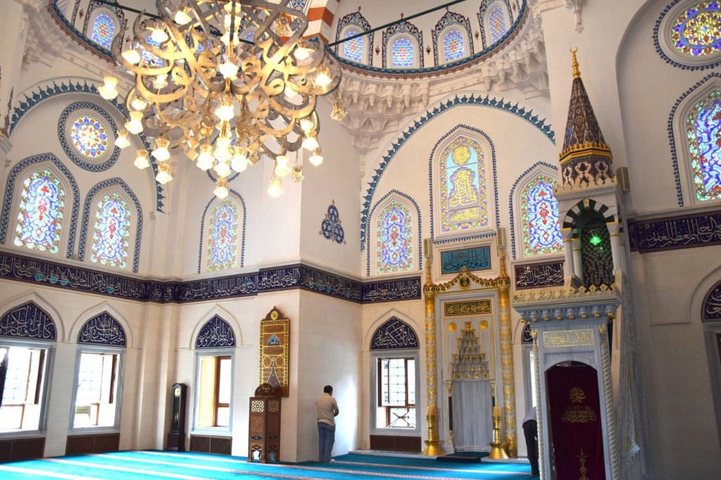 モスク Update: Japan's Largest Mosque - Tokyo Camii Turkish Cultural Center