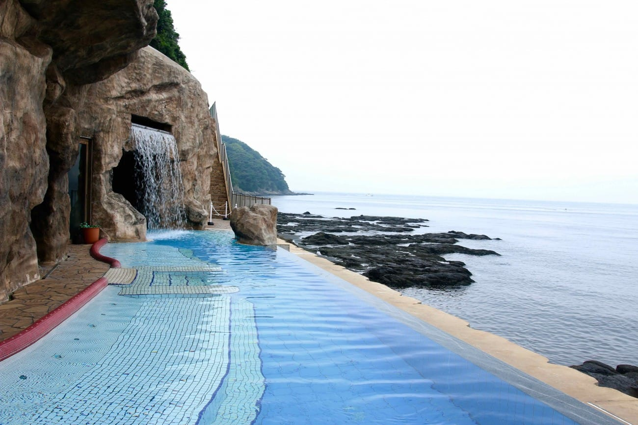 hot springs with stunning ocean view at enoshima island