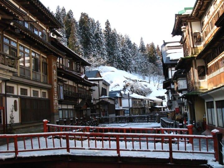 雪白的日式童話王國,寒流時就去銀山溫泉避寒